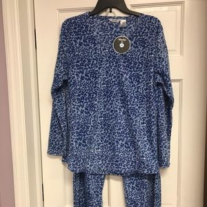Other - Ladies Lightweight 2 Piece Fleece Pajama Set Sz M
